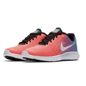 NEW NWT Nike Revolution Running Shoe